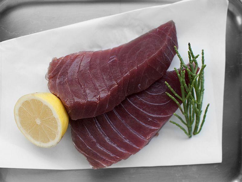 2 Sashimi Grade Tuna Loin (360g)