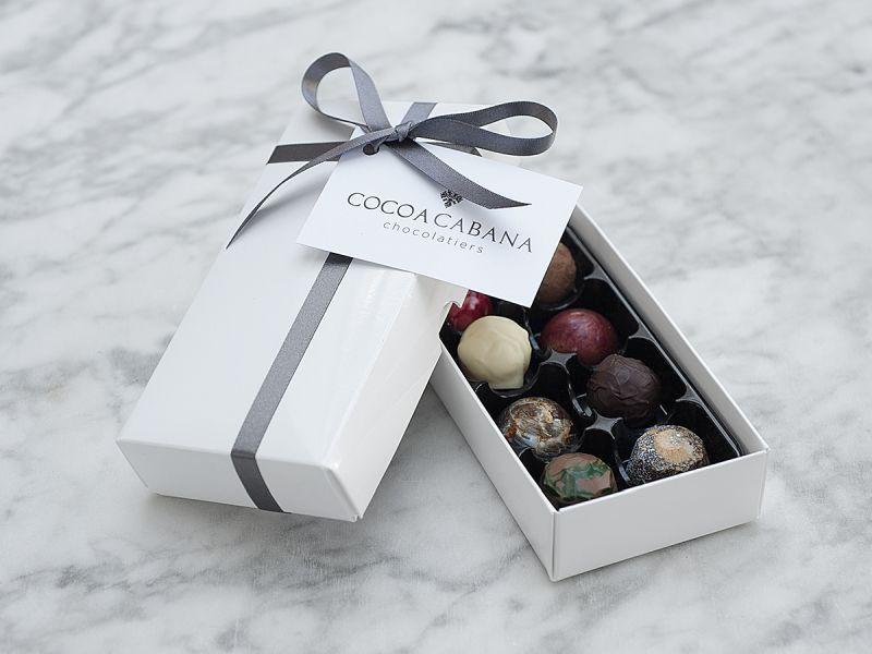 Cocoa Cabana Box of 8 Luxury Assorted Chocolates