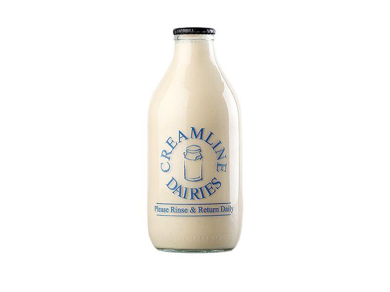Creamline's banana flavoured milk (568ml/ 1 Pint)