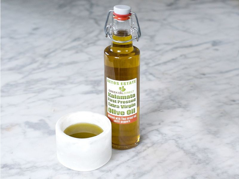 Extra Virgin Olive Oil Infused with Thai Dried Red Chilli Peppers (250ml)