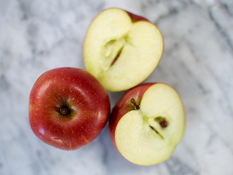 Royal Gala apples  (each)