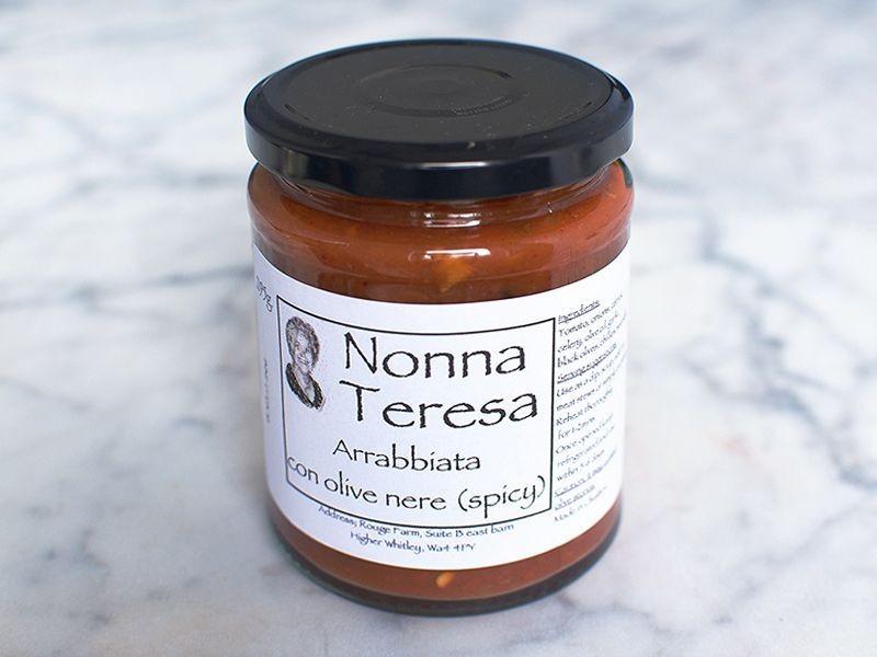Spicy Arrabbiata with black olives Sauce (295g)