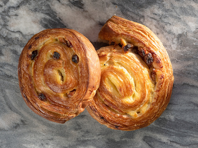 Thatchers Pain Au Raisin x 2