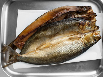 2 Manx Kippers (smoked herrings) 250g