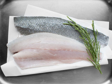 2 Sea Bass Fillets (300g)