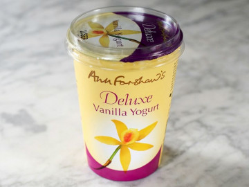 Ann Forshaw's Deluxe Creamy Yogurt with a hint of Vanilla (450g)
