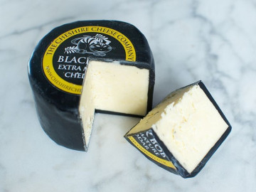Black Bob Mature Cheddar Cheese Truckle (200g)