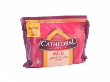 Cathedral City Mild Cheddar Cheese (350g)