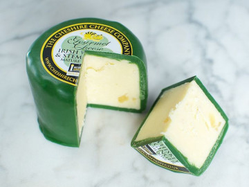 Irish Whiskey & Stem Ginger Cheese Truckle (200g)