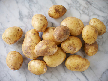 Maris Piper Potatoes (1.5kg / unwashed)