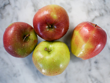 Pack of Royal Gala Apples 1 x 4 (40p each)