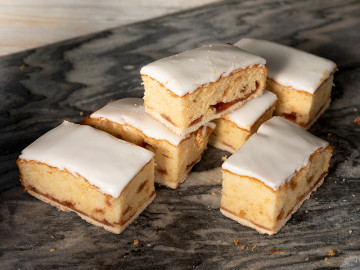 Thatchers Bakewell Slices x 6